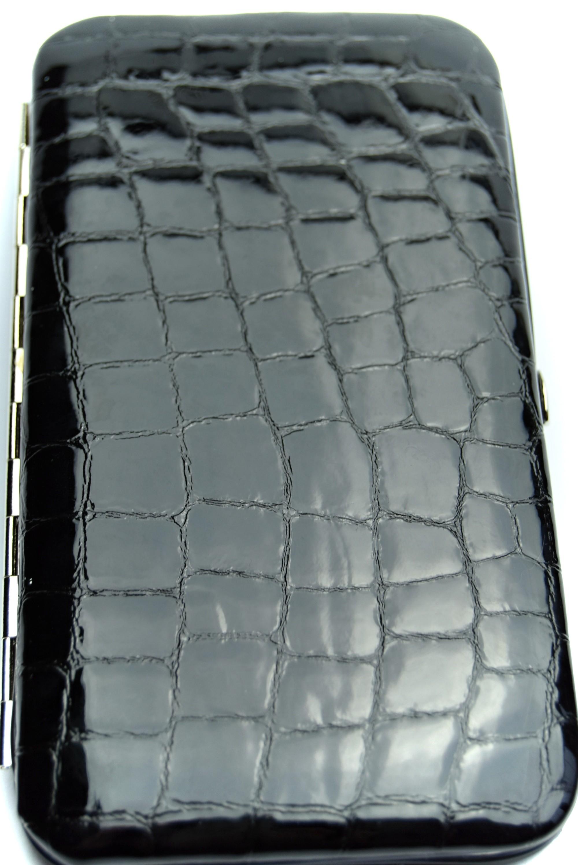 Černá lesklá vzor krokodýl